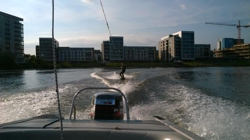 Bay Ski Shula on wakeboard (4)